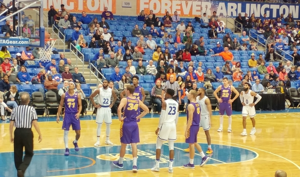 ut-arlington-uni-free-throw